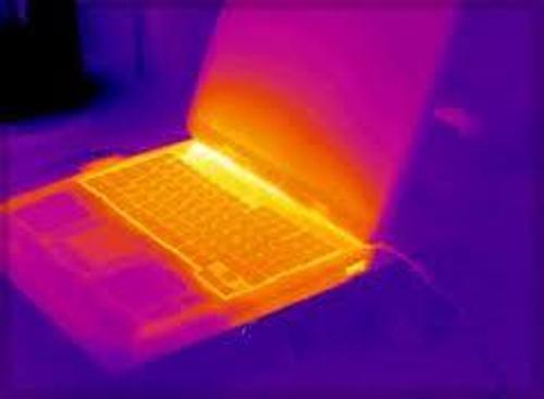 Những cách bảo vệ laptop trong mùa hè