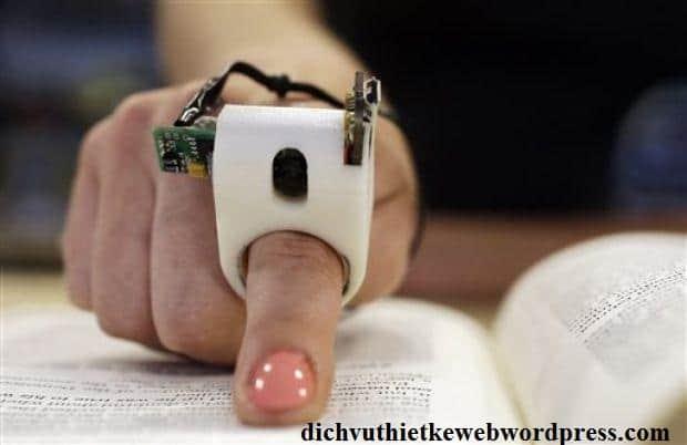 Ngón tay đọc sách cho người khiếm thị