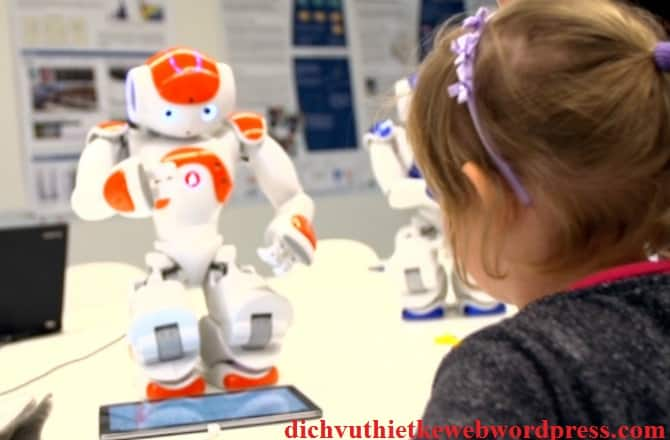 NAO CoWriter - Robot luyện viết chữ cùng trẻ em.