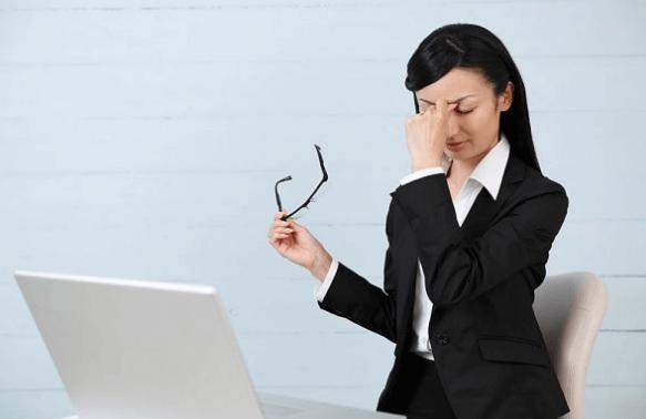 Làm sao để bảo vệ mắt khi dùng máy tính