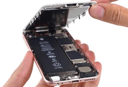 Khi thay pin cho Iphone gặp phải những rủi ro?